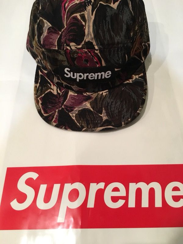 SUPREME PAINTED FLORAL CAMP CAP FW17 H88 for Sale in Brooklyn 9ff6bb3f4af
