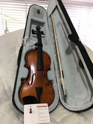 New violin 🎻 4/4 solid wood mugig for Sale in Indianapolis, IN