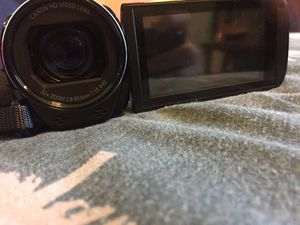 Canon Vixia hf r700 for Sale in Tacoma, WA