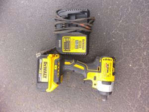 Photo DeWalt 20 v Max XR brushless Motor impact driver$$90
