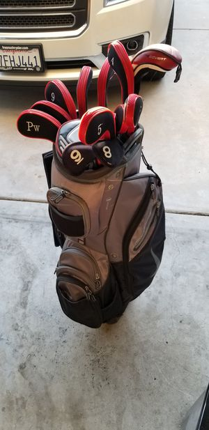 Nike golf club set with nike bag for Sale in Fresno, CA