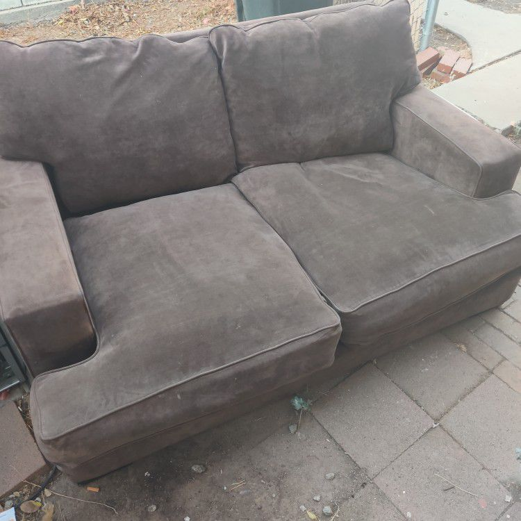 Sofa And Love Seat Great Condition