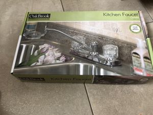 New kitchen faucet Oak Brook for Sale in Santa Barbara, CA