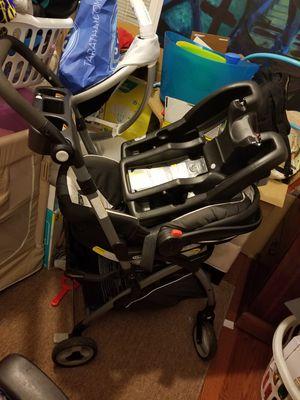 Graco base, snugride35 car seat, stoller frame for Sale in Falls Church, VA