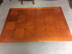 6 Seater Table that pops out into 8 seats for Sale in Henrico, VA