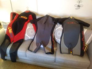 This are one small other two medium open for any offers for Sale in Cleveland, OH