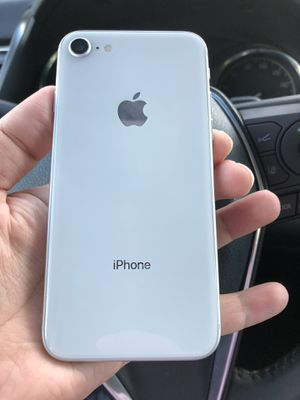iPhone 8 64 GB unlocked like new for Sale in Chantilly, VA