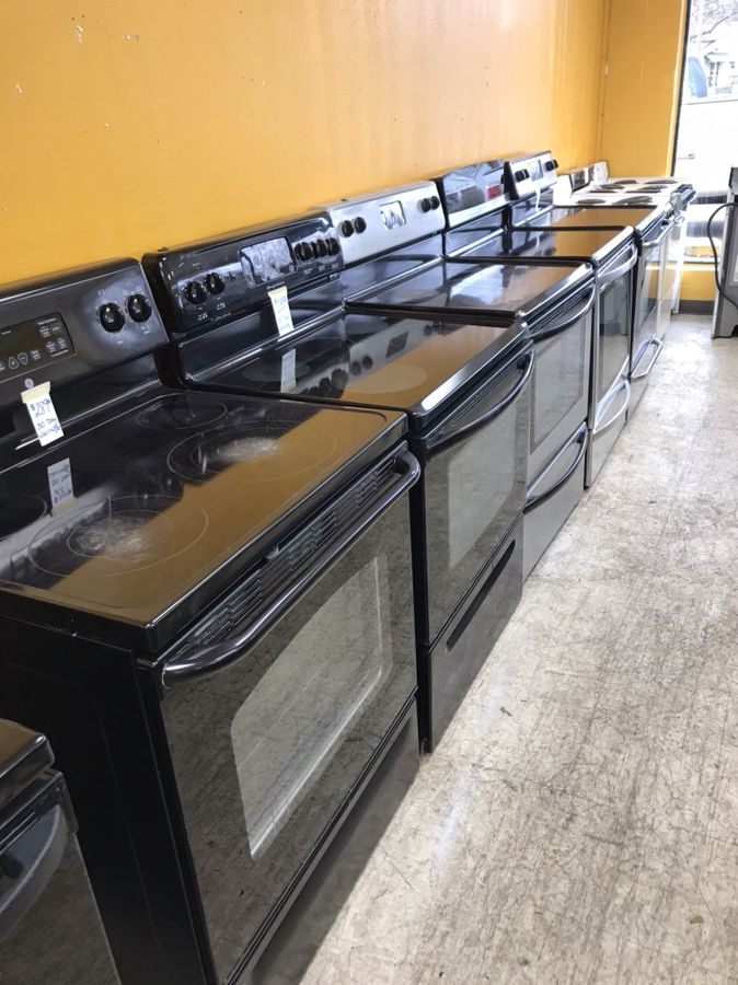 Black like new stove and stoves