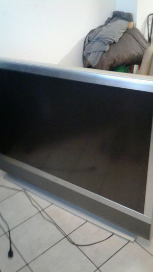 2003 LCD projection tv for Sale in Miami, FL