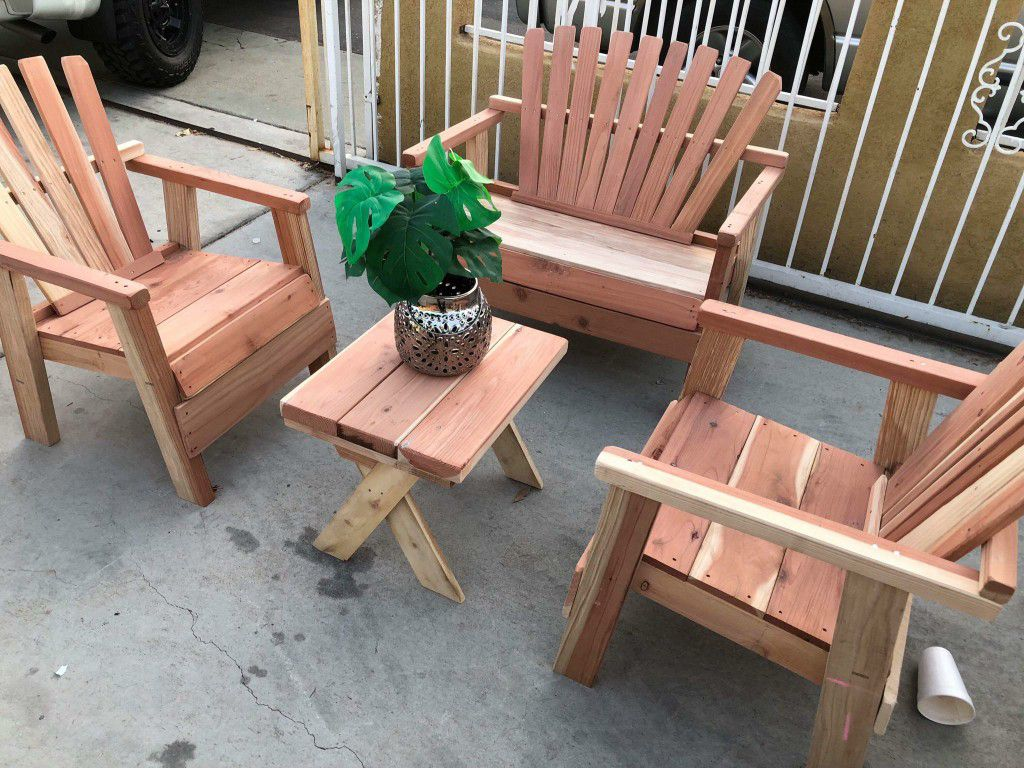 Brand new patio set red wood