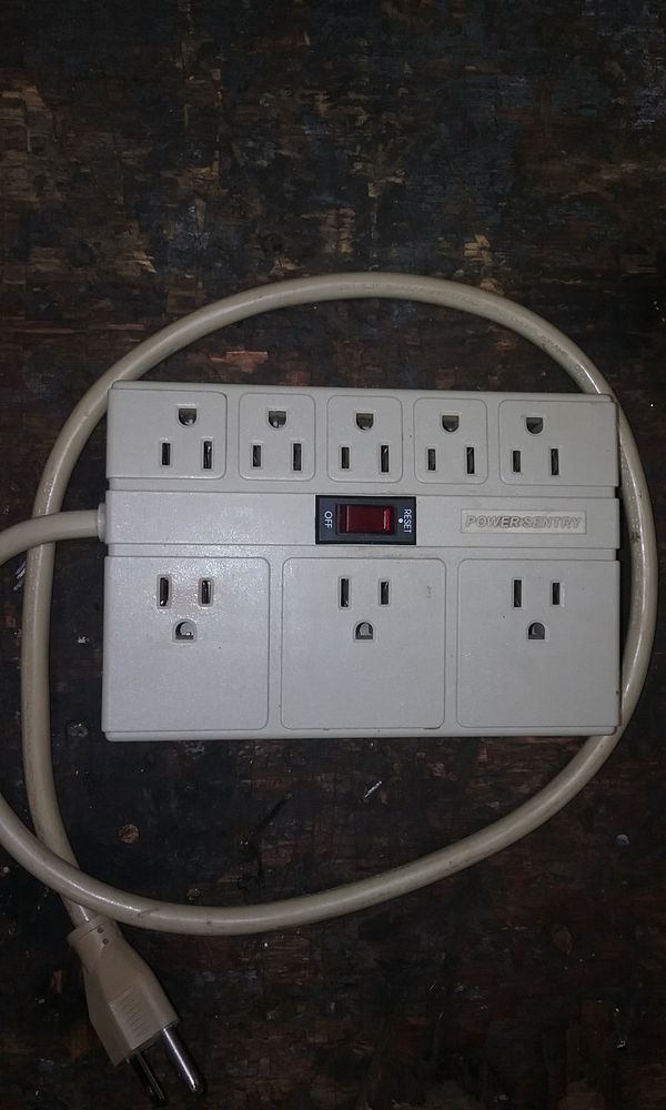 8 Outlet Sentry Surge Protector Electronics In Graham Wa Offerup