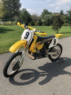 2000 RM 250 cc 2 Stroke. No issues, runs fast and strong. All riding gear included for Sale in Leesburg, VA