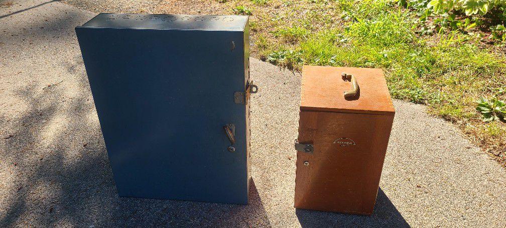 2 Utility Boxes