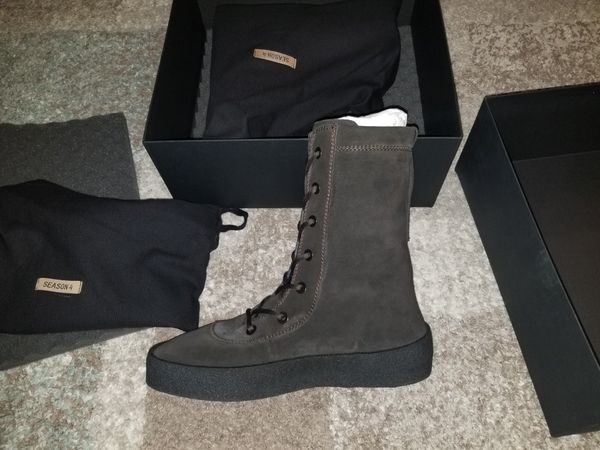 0ae2d672d05 Yeezy Season 4 Crepe Boot Oil Men s US Size 11 New for Sale in New ...