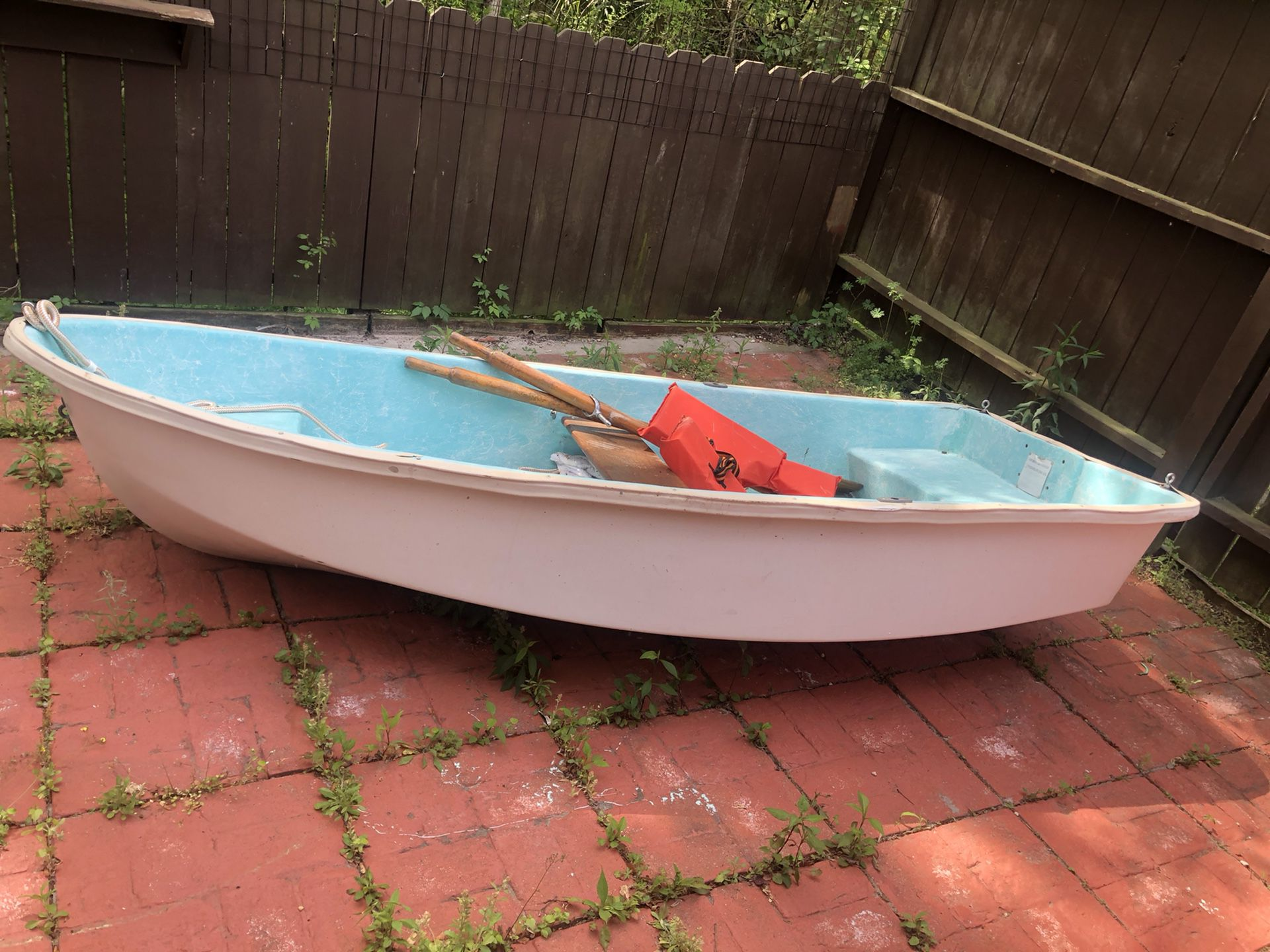Photo Small Bass Boat Setup $300 Just Boat $500 W Motor