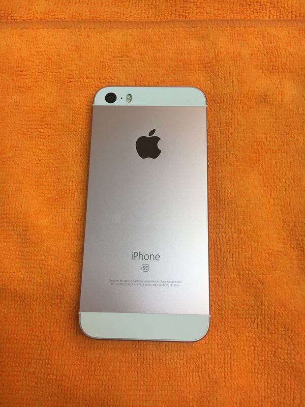 Unlocked Iphone Se 32gb Rose Gold Cell Phones In Kent Wa Offerup