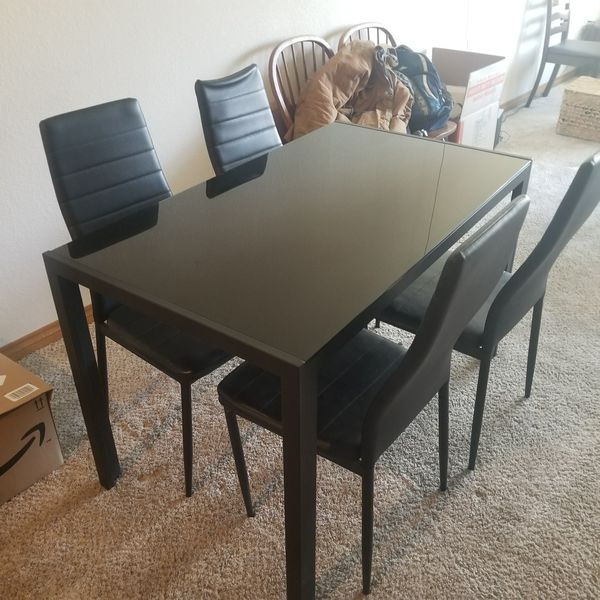 Kitchen table with 4 chairs for Sale in Denver, CO - OfferUp