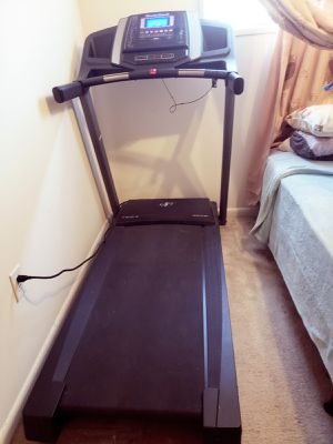 Nordic Track Treadmill for Sale in Silver Spring, MD