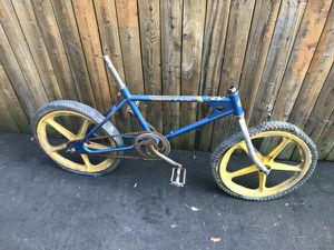 2 vintage old school bmx bikes for Sale in Chicago, IL