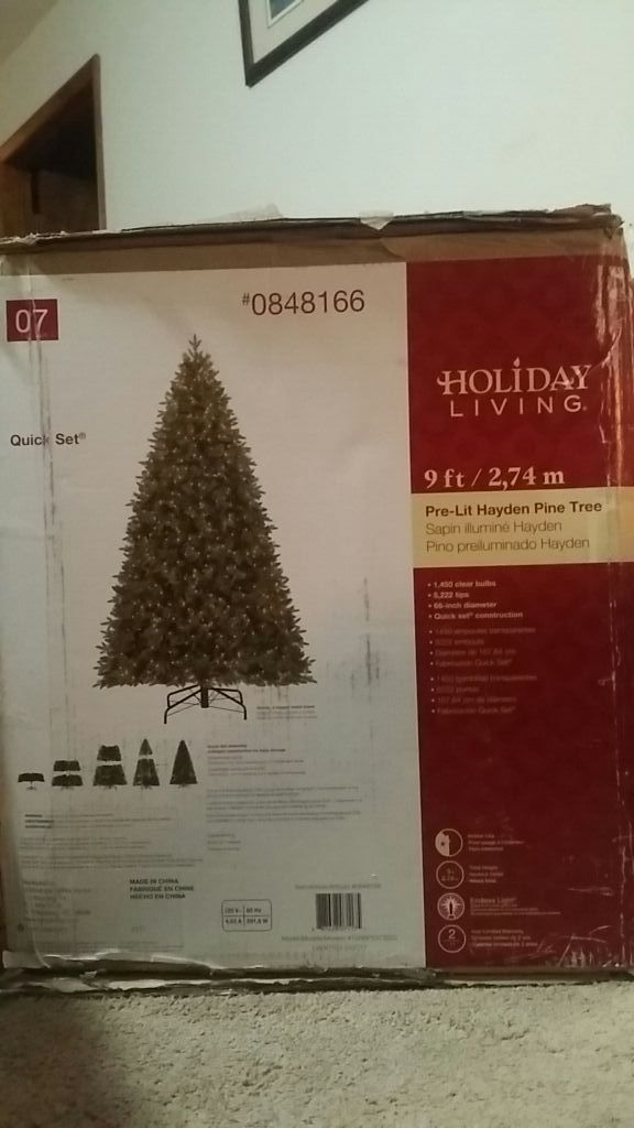 Holiday Living Christmas Tree.Holiday Living 9 Ft Pre Lit Hayden Pine Tree 1450 Light For Sale In Lexington Nc Offerup