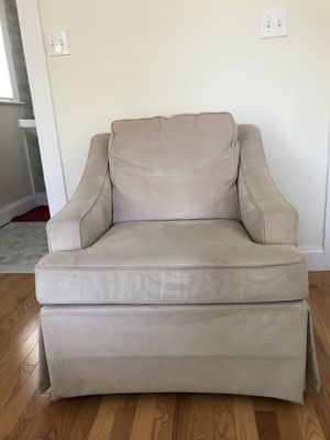 Off white custom made glider and matching ottoman for Sale in Washington, DC
