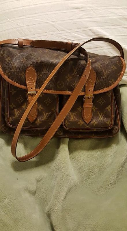 Restored authentic Louis Vuitton Saddle Bag for Sale in Normal f61abfc898975