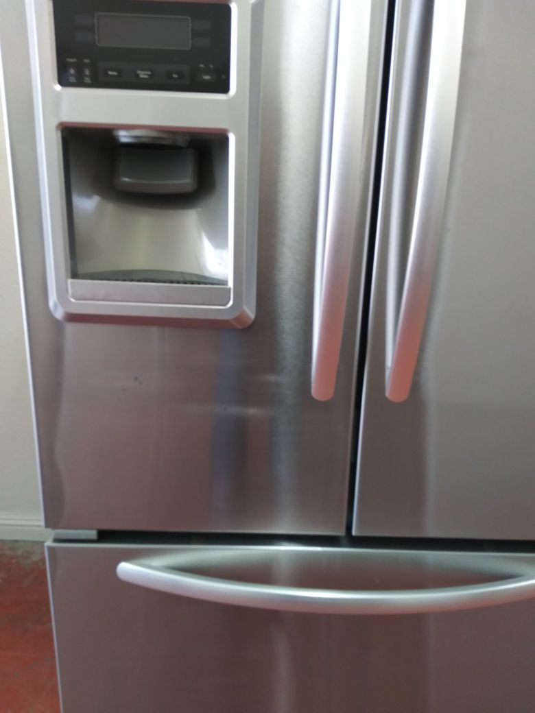 REFRIGERATOR KITCHEN AID FRENCH STAINLESS STEEL