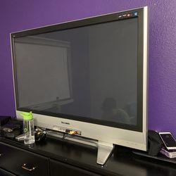Large Panasonic TV .. Works Thumbnail