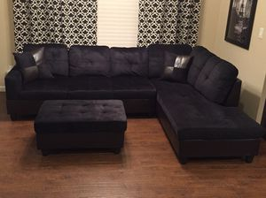 New black microfiber Sectional Couch with storage ottoman and two free pillows! Delivery for Sale in Seattle, WA