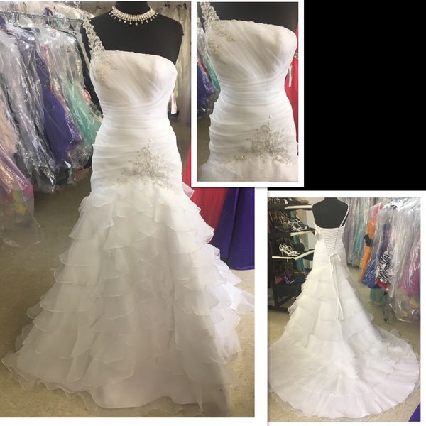 New with tags Size 5/6 Bridal Gown $250 for Sale in Indianapolis, IN ...