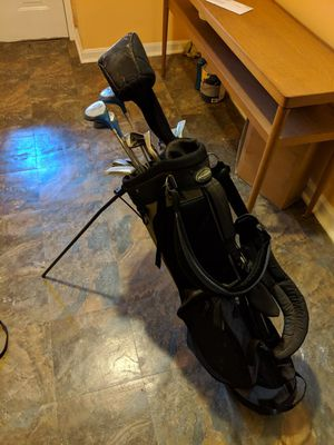 Ladies golf clubs with bag for Sale in Washington, DC