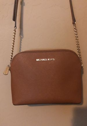 Michael Kors crossbody/matching wallet for Sale in Phoenix, AZ