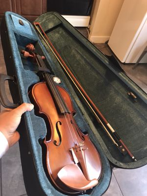 Violin nuevo en su caja 📦 ya disponible for Sale in Denver, CO