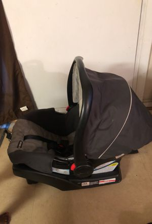 Graco click connect car seat for Sale in Fort Washington, MD