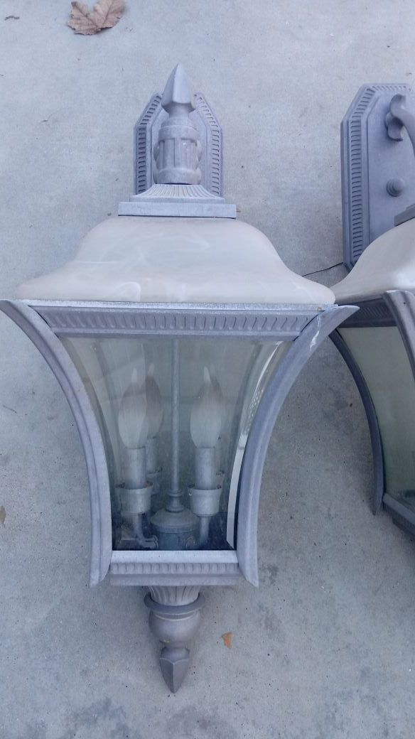 Nice large outdoor lights for Sale in Yucaipa, CA - OfferUp