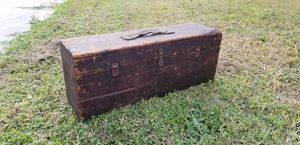 Antique tool chest for Sale in Tampa, FL