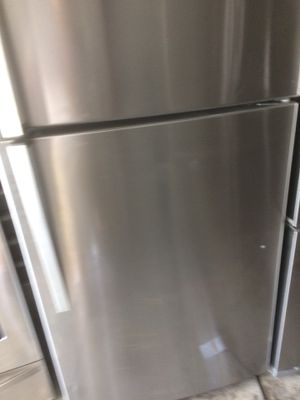 Whirlpool fridge made 10/2017 almost new just $350 for Sale in Orlando, FL