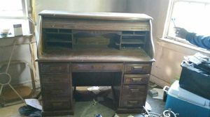 Old Roll Top Desk for Sale in Victoria, VA