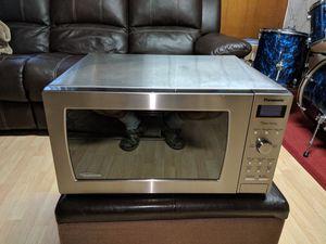 Panasonic 1.6 Cu. Ft. 1250 watt microwave model NN-SD797S for Sale in Rockville, MD