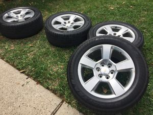 Photo Chevy 20 inch rims with tires
