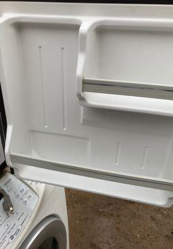Like new mini refrigerator haler Thumbnail