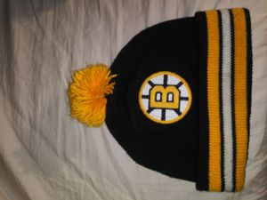 Photo Mitchell & Ness Boston Bruins Hat | Color: Black/Gold