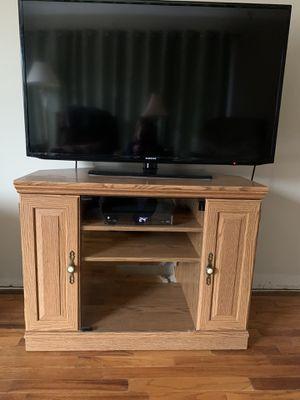 Photo Corner TV stand