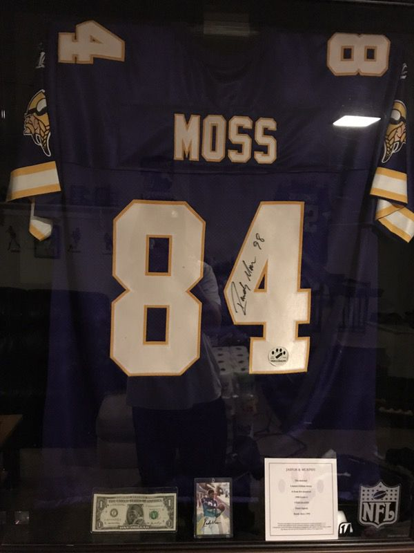new style a9e6f 949a2 Randy Moss autograph jersey for Sale in Brooklyn Center, MN - OfferUp