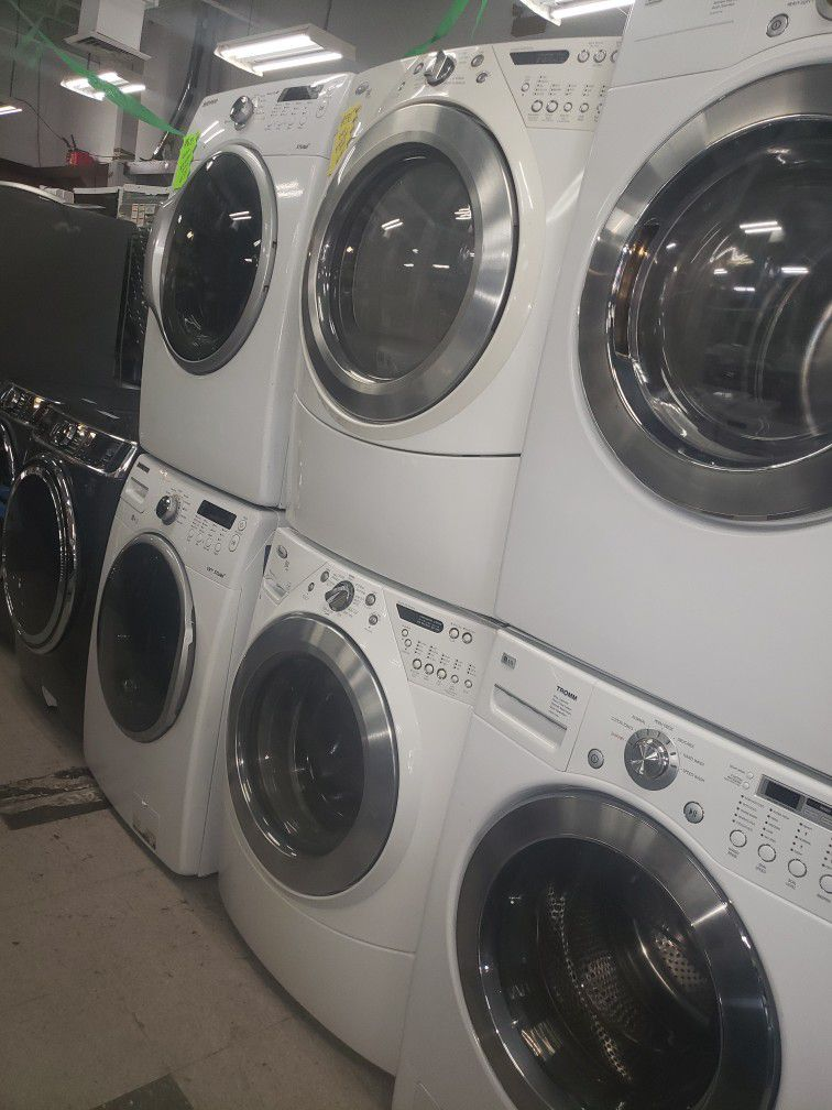 WHIRLPOOL SET WASHER AND DRYER
