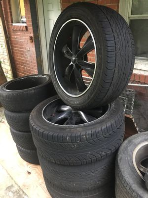 Foose 22 rims 305 40 22 for Sale in Capitol Heights, MD