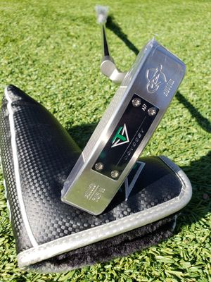"""Brand New Toulon Odyssey Austin Milled 303 SS Golf Putter..Has A/7 weight in sole, Toulon grip, 35"""" for Sale in Chula Vista, CA"""