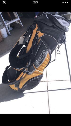 Men's golf clubs - right, w/ bag for Sale in Santa Ana, CA
