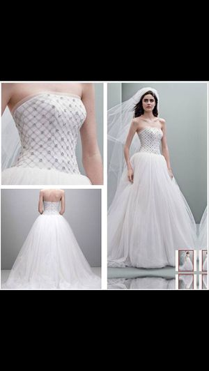 Vera Wang Wedding Dress for Sale in St. Louis, MO