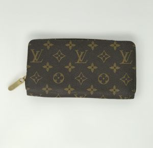Authentic Louis Vuitton wallet. Perfect condition! for Sale in Elkridge, MD
